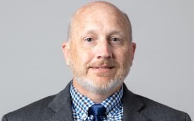 カリフォルニア州立大の                                                         ジェイソン・ホワイトヘッド准教授