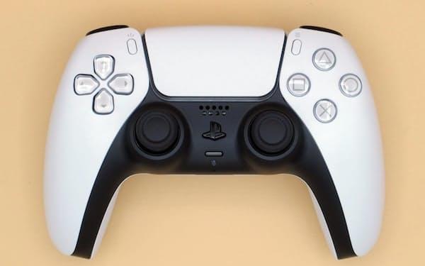 PS5のDualSenseワイヤレスコントローラー(出所:日経クロステック)