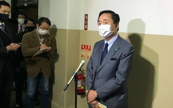 黒岩知事㊨は医療体制強化を目指す方針を示した(12日、神奈川県庁)