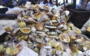 条例制定で食品ロス削減に向けた取り組みを推進する(写真は廃棄食品のイメージ)=共同