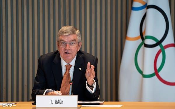 IOCのバッハ会長は21日からIOC委員や各国のオリンピック委員会会長らとリモートで会合を持つ=ロイター