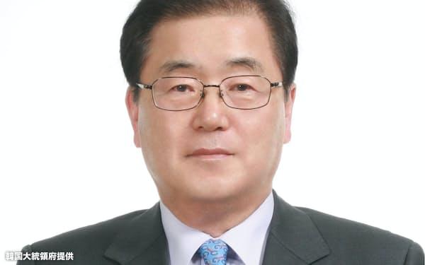 韓国外相に就く鄭義溶前国家安保室長=韓国大統領府提供