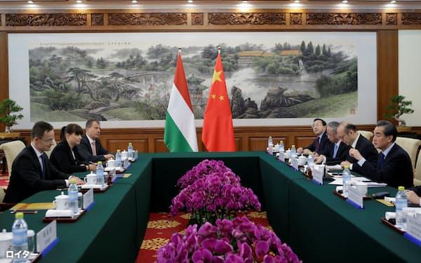オルバン氏が首相に返り咲いた10年以降、ハンガリーは中国との関係を強めている=ロイター