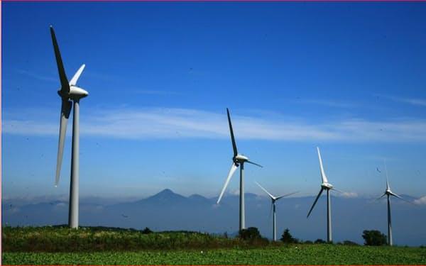 布引高原の風力発電設備(福島県郡山市)