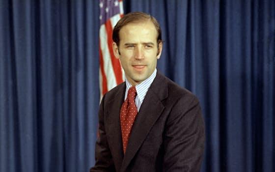 デラウェア州から新たに上院議員に選出された民主党のジョー・バイデン氏(1972年12月)=AP