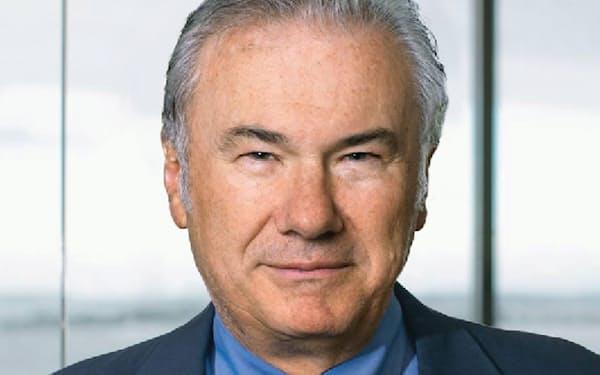 デビッド・ティース(David J.Teece) 米カリフォルニア大学バークレー校経営大学院教授。1948年生まれ。75年米ペンシルベニア大学で経済学の博士号を取得(Ph.D.)。米スタンフォード大学、英オックスフォード大学を経て82年から現職。産業組織論、技術変革研究の世界的権威で、200本以上の論文を発表。特に1997年発表の論文で提唱した「ダイナミック・ケイパビリティ」の概念は大きな反響を呼び、今も数多くの研究者が理論化に取り組んでいる。