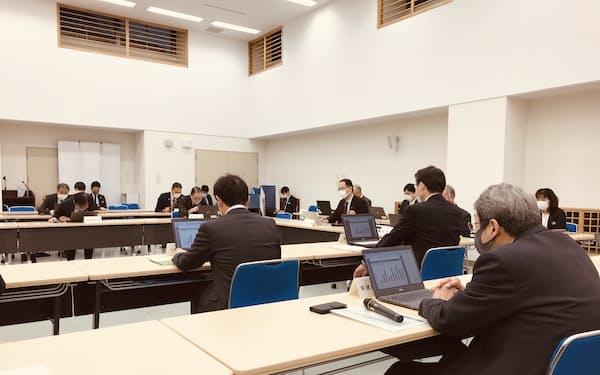 22日に開かれた埼玉県新型コロナウイルス対策本部会議(埼玉県庁)