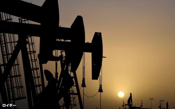 コロナ禍で石油需要は低迷している=ロイター