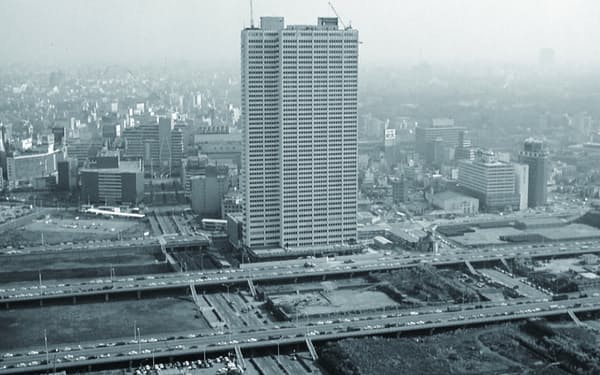 1971年の開業当時は空き地が広がっていた