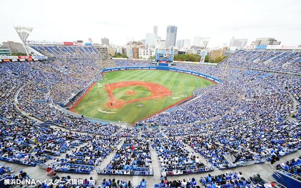 技術実証に取り組んだ試合には大勢の観客が詰めかけた(2020年11月、横浜スタジアム)=横浜DeNAベイスターズ提供