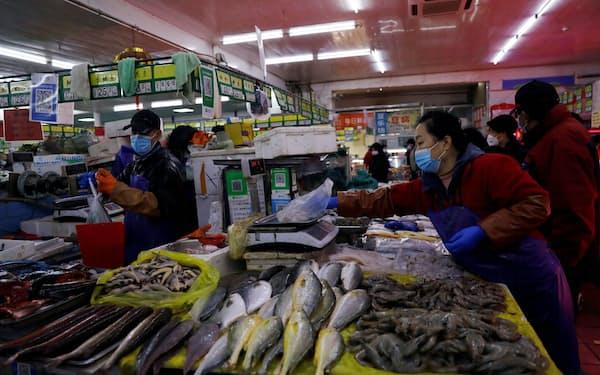 中国の魚介類の輸入は12月に3分の1近く減少した=ロイター