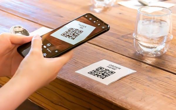 NTTドコモはモバイル決済サービス「d払い」でテーブルオーダー機能の提供を開始。省人化や集客効果を利点としてうたい、飲食店の開拓を目指す