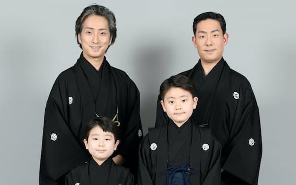 後列右から中村勘九郎、七之助、前列右から勘太郎、長三郎(C)松竹