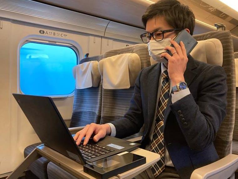 テレワーク向け車両では個別に無料Wi-Fiルーターなどを貸し出す