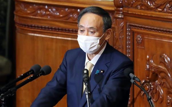 新型コロナ対応の特措法改正案が審議入りした衆院本会議で答弁する菅首相(1月29日)