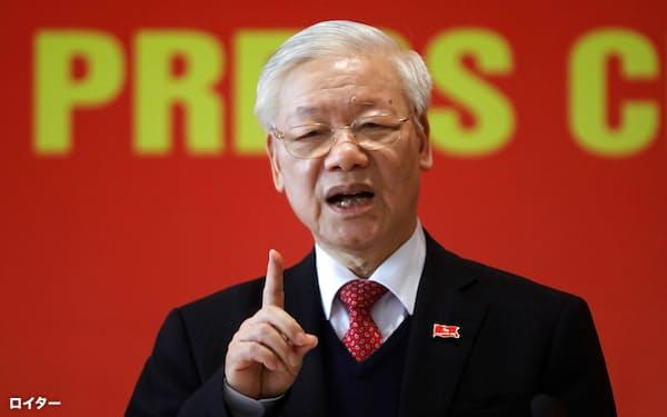 ベトナム共産党の書記長として3期目に入るグエン・フー・チョン氏(1日、ハノイ市)=ロイター