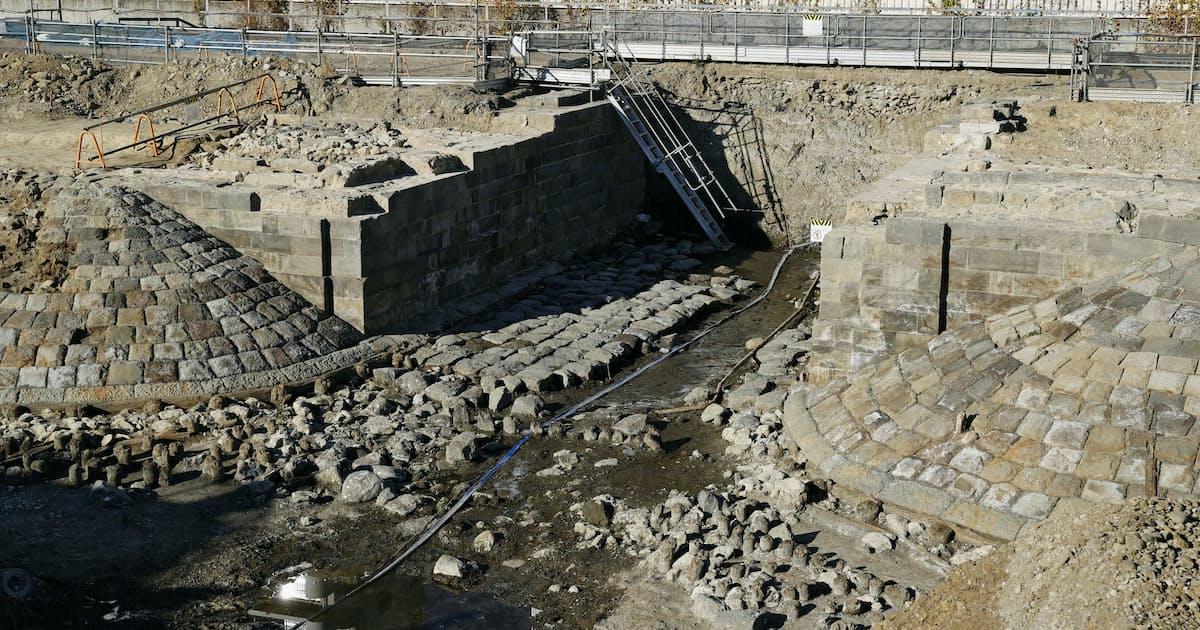高輪築堤「全面保存を」 考古学協会が要望書: 日本経済新聞
