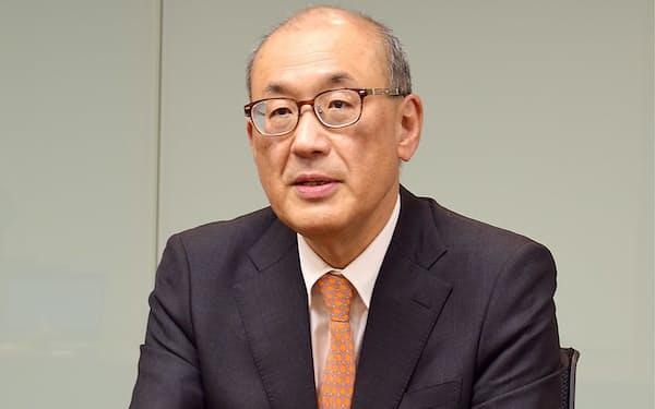 菅野暁(すがの・あきら) 1982年東大経卒、旧日本興業銀行(現みずほ銀行)入行。みずほフィナンシャルグループで運用事業部門トップを務めたほか、国際業務経験も長い。2017年みずほFG副社長。18年からアセットマネジメントOne社長。
