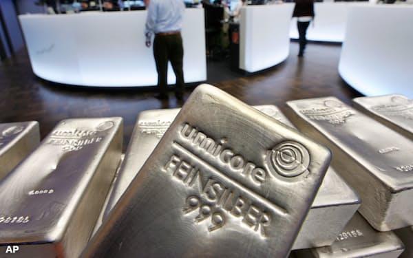 銀の先物相場は乱高下したが、産銀国メキシコの通貨ペソへの影響は限定的だった=AP