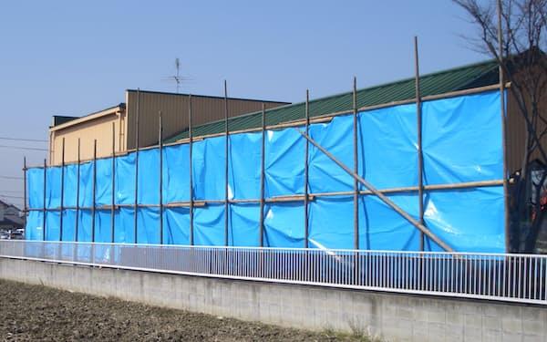 萩原工業はブルーシートなどの合成樹脂繊維製品で約1割の国内シェアを持つとみられる