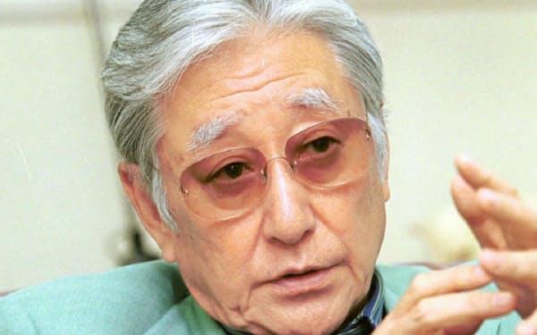 あさり・けいた(1933~2018) 東京生まれ。慶大中退。大学在学中の1953年に劇団四季を旗揚げ。日生劇場取締役として制作を手がけ、83年「キャッツ」で日本初のロングランを実現。