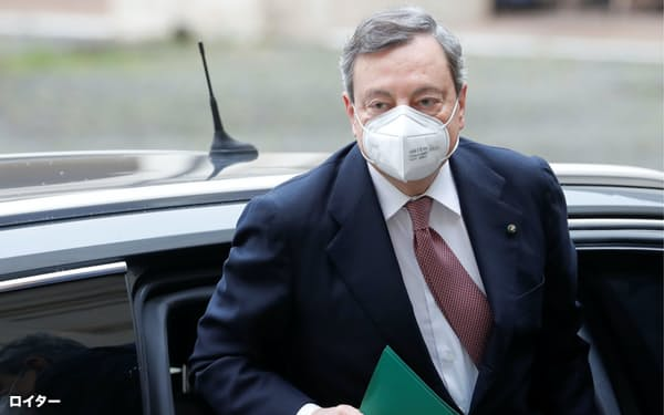 ドラギ氏がイタリア政界に転じるとの噂はECB総裁時代からあった(13日、ローマ)=ロイター