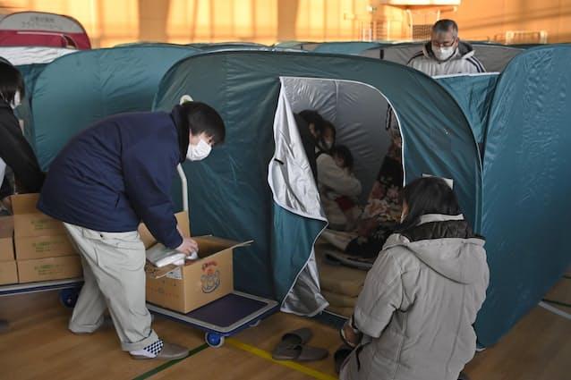 避難 所 テント