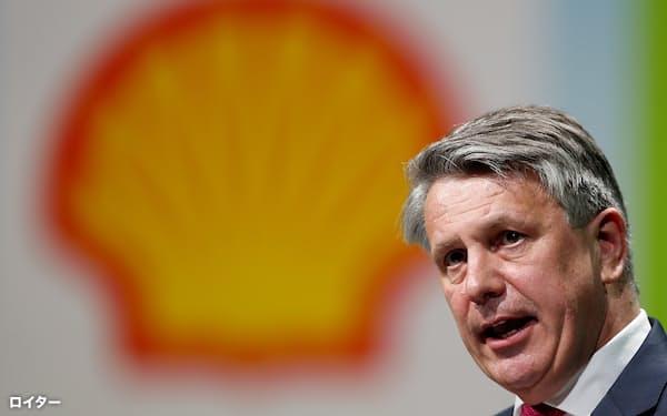 英蘭シェルは「石油生産は19年がピーク」と宣言した(ファン・ブールデンCEO)=ロイター