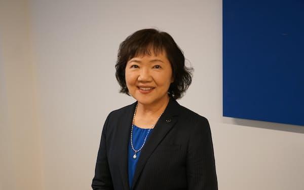さかた・ちよこ 1980年東京工芸大短大卒。83年あわわ入社。社長を経て2012年から会長。