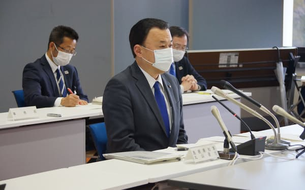 聖火リレーに関する島根県の実行委員会で発言する丸山知事