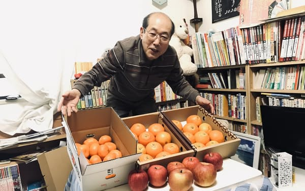 カタログギフト優待では果物を選ぶことが多いという桐谷さん。写真も全て優待で届いた果物