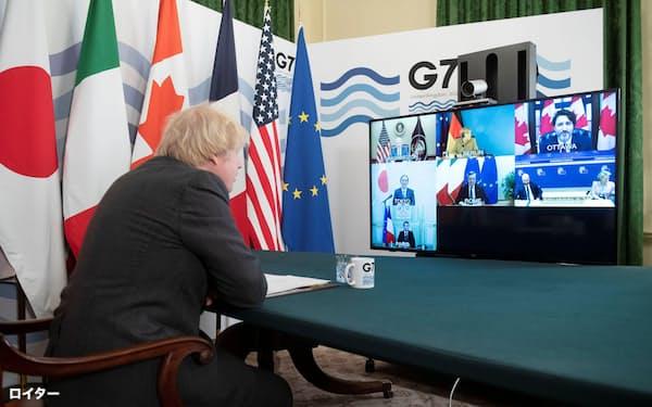 先進7カ国(G7)首脳によるテレビ電話会議で議長を務める英国のジョンソン首相(19日、ロンドン)=ロイター