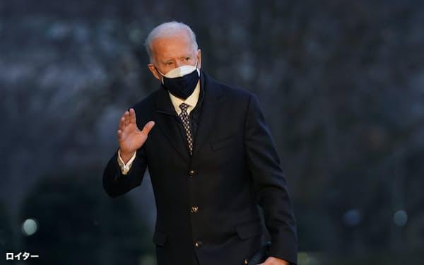 バイデン米大統領はオバマ政権のころに副大統領として訪日していた=ロイター