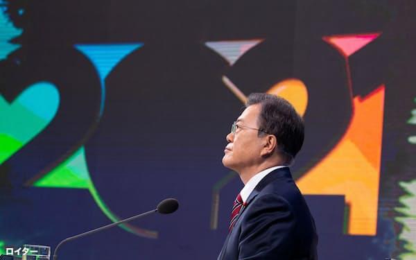文大統領の対日外交は「次の一手」がまだ見えない(1月18日、ソウルでの記者会見)=ロイター