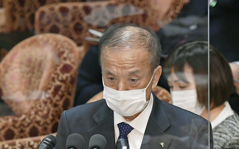 衆院予算委の参考人質疑で意見を述べる東京都練馬区の前川燿男区長=16日午前