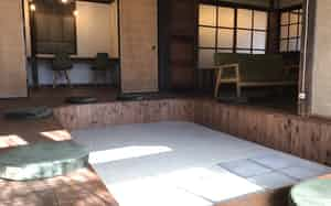 男木島のコワーキングスペース「鍬(くわ)と本」を、移住希望者との関係作りにいかす