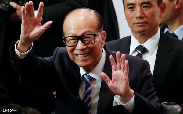 李嘉誠氏はズームの初期段階の投資家として知られている=ロイター