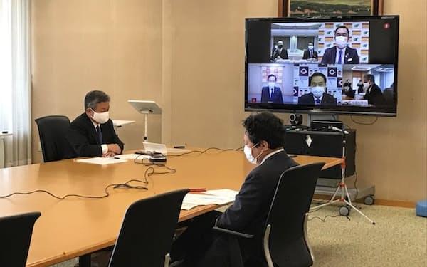 緊急事態宣言解除後の感染防止対策を巡り、全国の知事がオンライン上で協議した(東京都千代田区の都道府県会館)