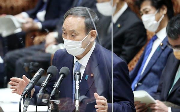 衆院予算委で立憲民主・枝野代表の質問に答える菅首相(1日)