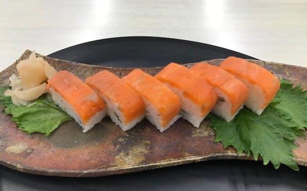 ディメールが商品化した「深浦サーモン棒寿司」