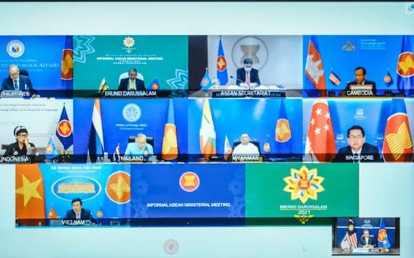 東南アジア諸国連合(ASEAN)の外相はオンライン形式でミャンマー情勢に関する非公式外相会議を開いた(3月2日)=マレーシア外務省提供