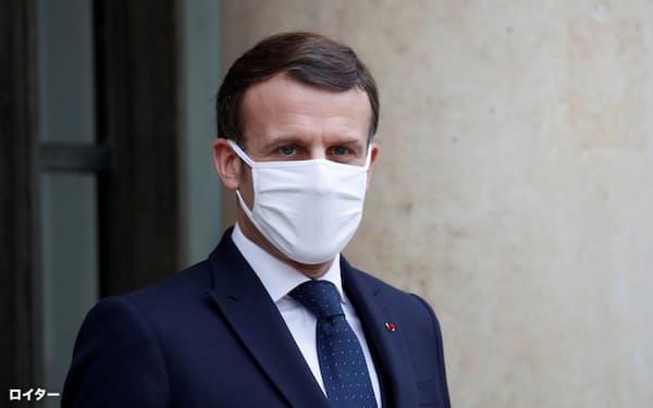 フランスのマクロン大統領はイランに合意順守とIAEAとの完全な協力の再開を迫った=ロイター