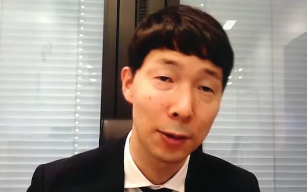 事業戦略を説明するルネサスの柴田社長(3日)