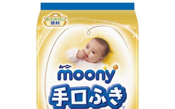 ユニ・チャームが発売する持ち運びに便利な赤ちゃん用の手・口ふき