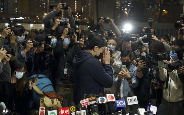 起訴された47人のうち、4人だけが保釈された(5日、香港)=AP