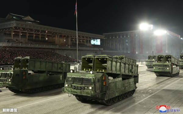 北朝鮮が1月の軍事パレードで公開した新型の短距離弾道ミサイル=朝鮮中央通信・朝鮮通信