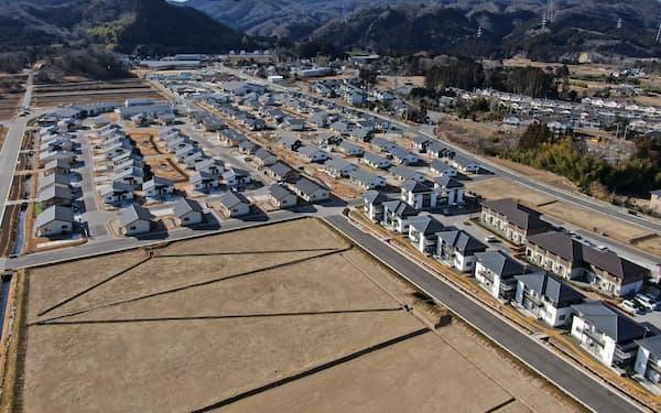 帰還住民や移住者向けの住宅が整備された福島県大熊町の復興拠点(2月)