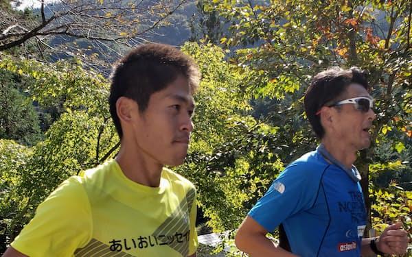 20年秋、一緒に走った川内優輝さん㊧はびわ湖で33歳にして8年ぶりにマラソンの自己記録を更新した