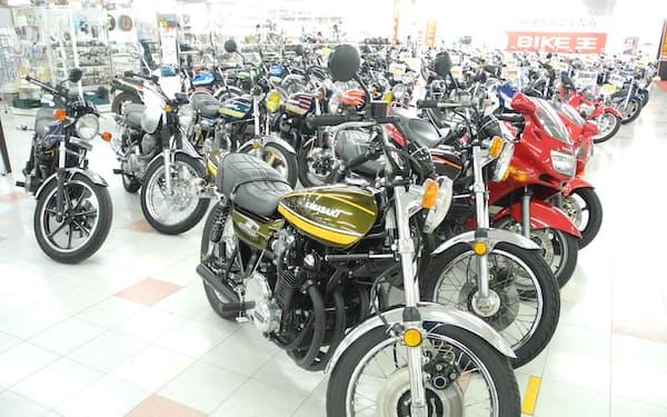 かつての名車に人気が集まっている(茨城県つくばみらい市の「バイク王つくば絶版車館」)