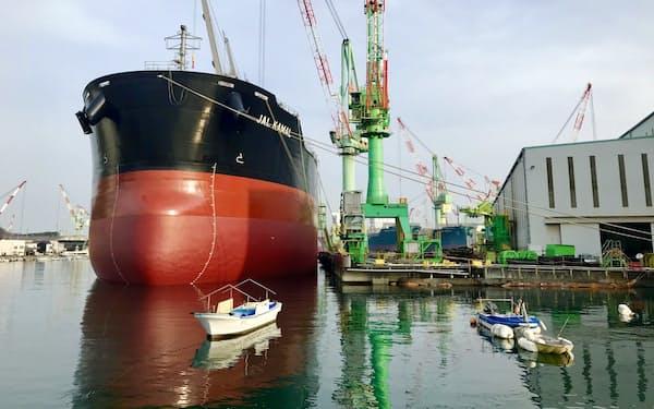 アンモニア燃料船は24年にも実用化する(今治造船の今治工場)